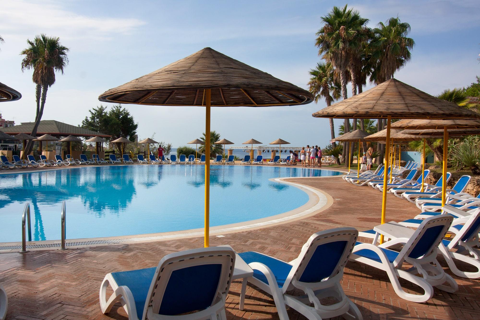 Piscina Le Castella estate TH Resorts